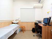 診察室(1階:5室、2階:3室あり ※全て電子カルテ)